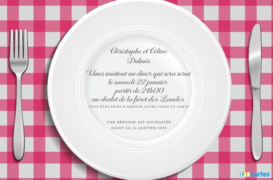 nappe rose à carreaux style vichy avec grande assiette