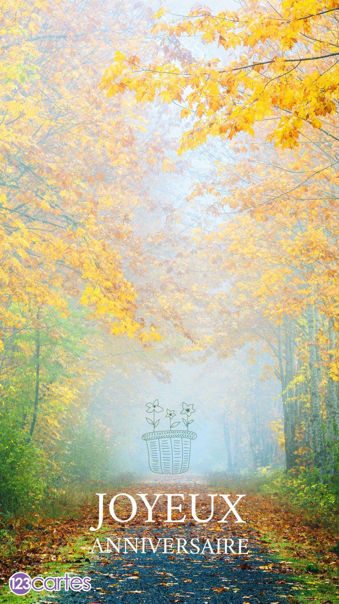 Forêt avec un sentier au milieu et le texte joyeux anniversaire